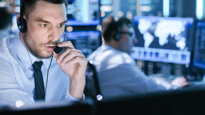 IT cybersecurity support employee in call center